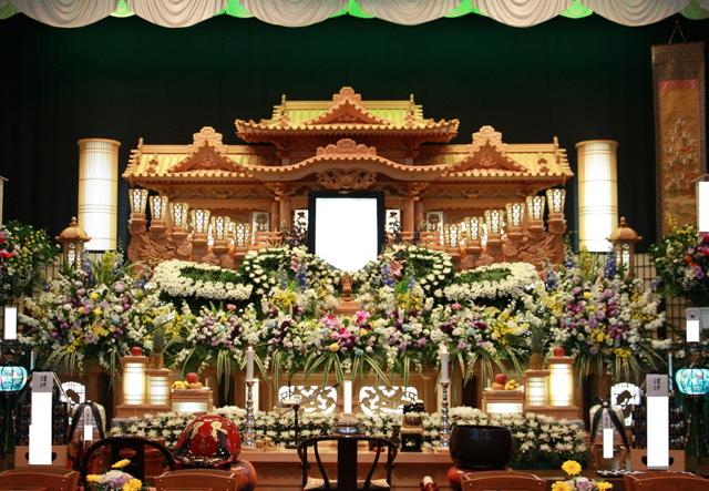 祭壇例(生花アレンジ1)