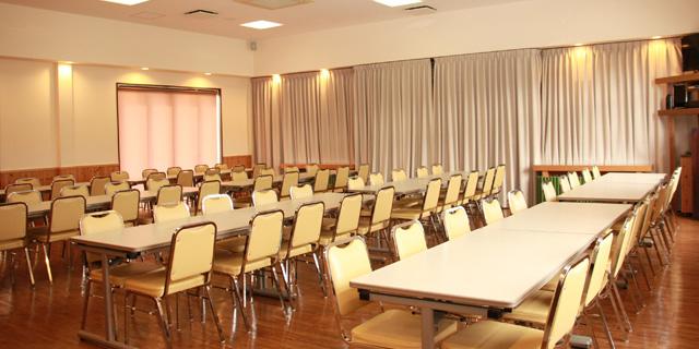 中ホール休憩室